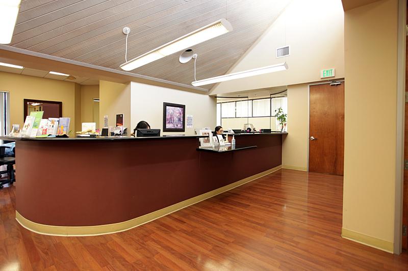 OCfeet.com - Office Administration Desk - 800x533