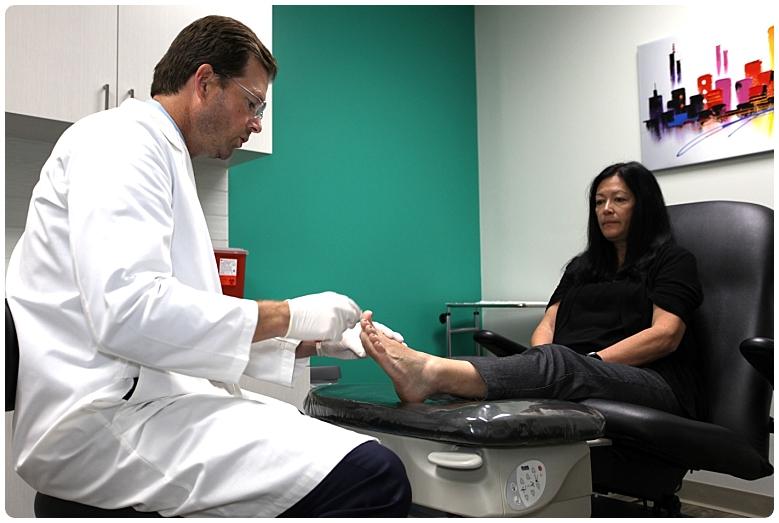 Dr. Bennett and Patient - OCfeet.com