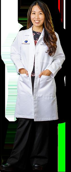 Dr. Daphne Yen Standing - OCfeet.com